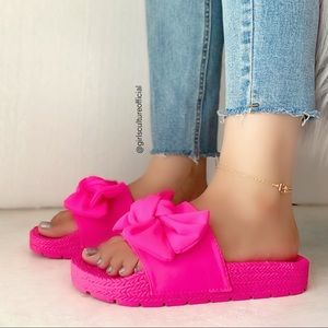 Hot Pink Big Bow Slide